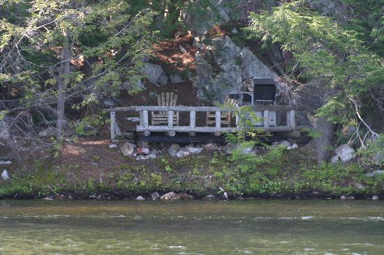 Bearskin Lodge & Outfitters: Private Deck