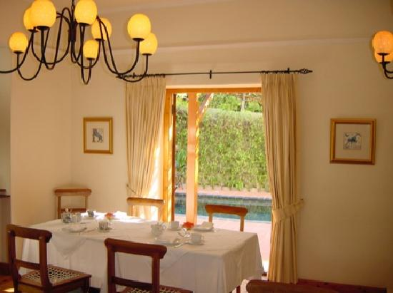 Acorn House: Breakfast room