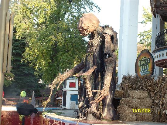 Gurnee, IL: Infront of the Grand Carousle during Fright Fest 2008