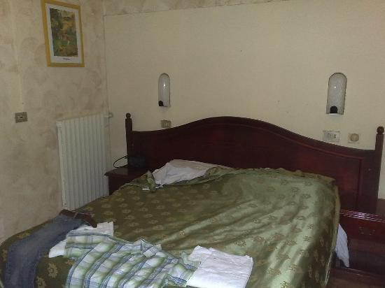 Adre Bed & Breakfast: Bedroom