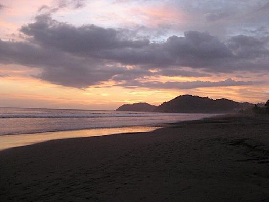 Hotel Mango Mar: Another nice evening on the beach