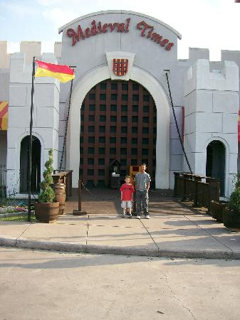 Medieval Times Dinner & Tournament: couldnt wait to get in