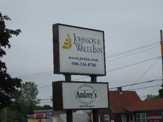 Ramada Seekonk Providence Area: J & W Sign