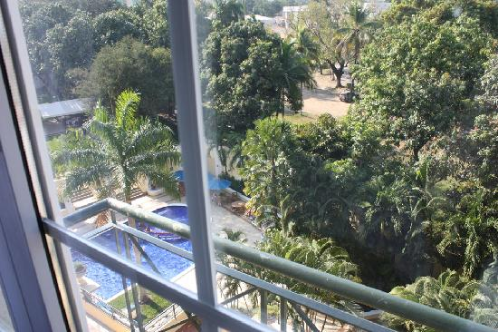 Hilton Princess San Pedro Sula : View Overlooking Pool