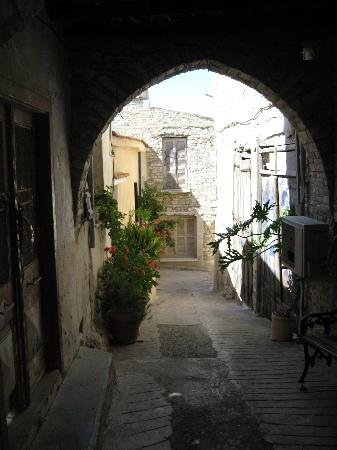 Pano Lefkara, Kypros: A Village Street