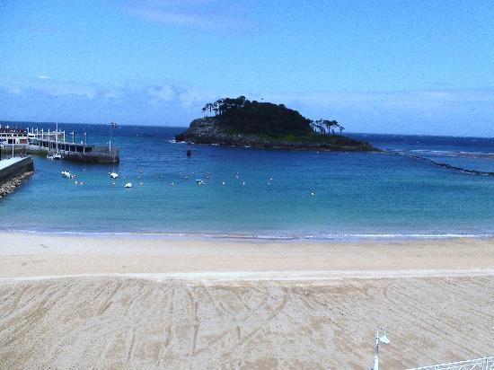 Aisia Zita Hotel Emperatriz: Isuntza Beach and Island from 203