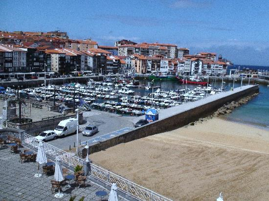 Lekeitio, Spain: Harbour from 203