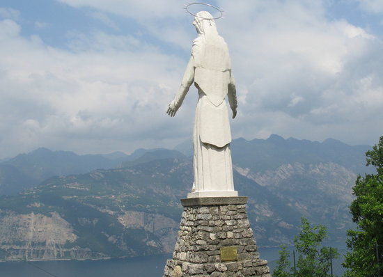 Malcesine, Italy: The madonna