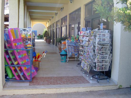 Atlantica Aegean Blue: the shop at the hotel