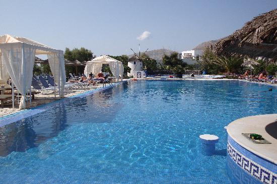 Mediterranean Beach Resort Piscine De L Hôtel