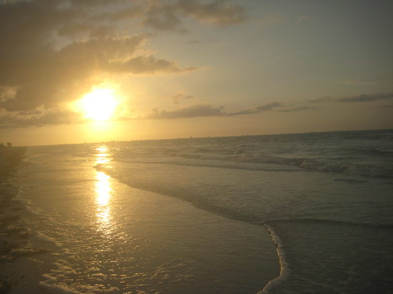 Sanibel Adası, FL: Sunrise at Loggerhead Cay