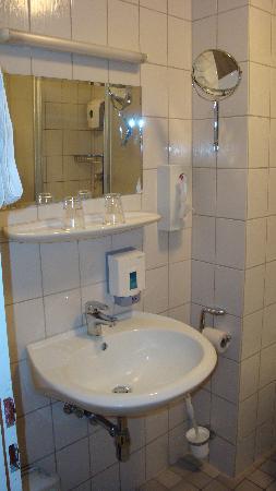 Cityhotel Primavera: Sink