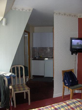 HOTEL DE PERROS : La camera 2