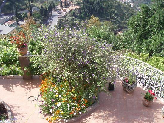 Residence Schuler: gardens