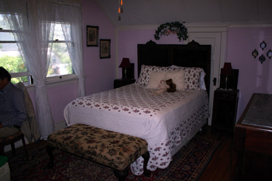 ‪‪Barretta Gardens Inn Bed and Breakfast‬: Our room‬