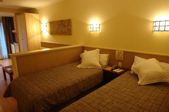 Patagonia Atiram Hotel: Husa Patagonia- room 1