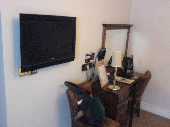 Junction Hotel: TV area