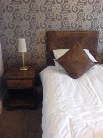 Junction Hotel: Would have been nice as a couple to have a double bed rather than twinned