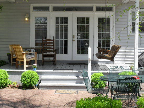 Carriage Lane Inn: the house we stayed in... the porch was perfect for relaxing