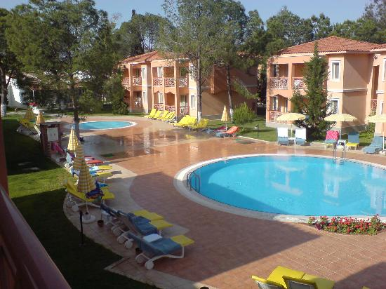 Kustur Club Holiday Village: Quiet pool from balcony