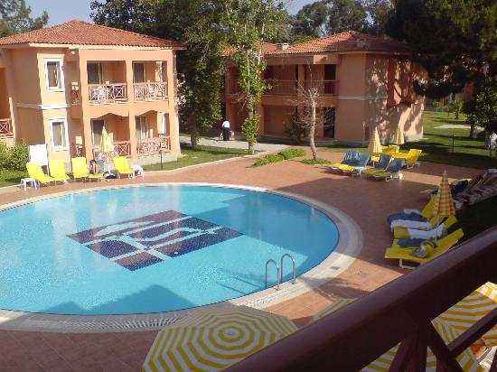 Kustur Club Holiday Village : Quiet pool from balcony
