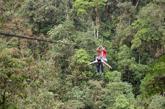 Mindo Ropes and Canopy: Ziplining