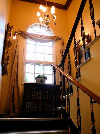 Belmont House: Stairway Decor
