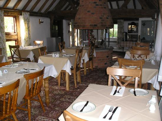 Coughton Lodge Guest House: Breakfast room