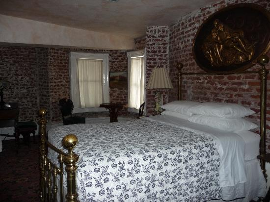 Chateau Tivoli Bed & Breakfast: Lilly Langtry