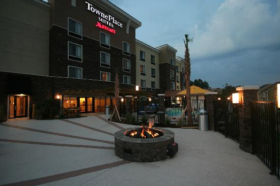 TownePlace Suites Columbia Southeast/Fort Jackson: Firepit
