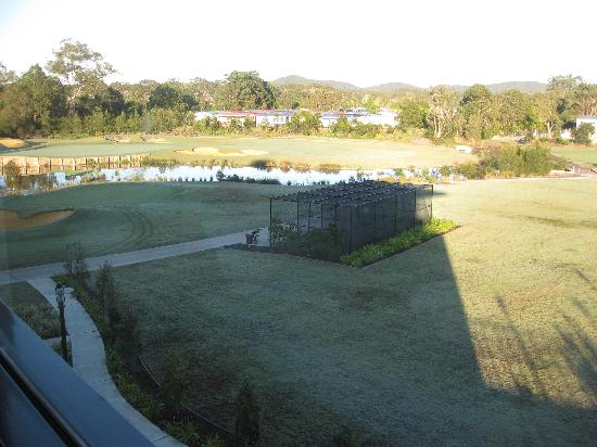 Mercure Kooindah Waters Central Coast: LHS view fr bedroom