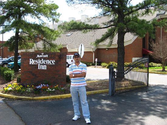 Residence Inn Memphis East : Me - in front of Marriott