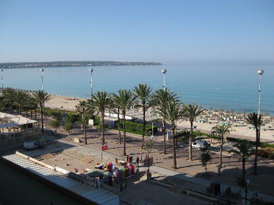Apartamentos Pil-lari Playa: Another view from 504