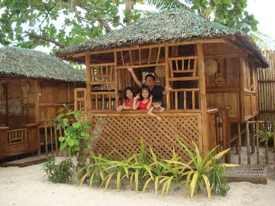 Dumaluan Beach Resort: the nipa hut