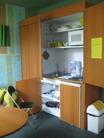 "Residence Urbaneva : ""Kitchenette"" in the suite"