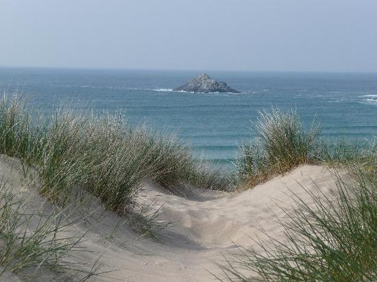 Fairbank Hotel: Idylic Beach 5 mins walk from hotel