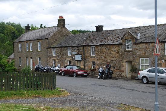 The Holly Bush Inn: The outside