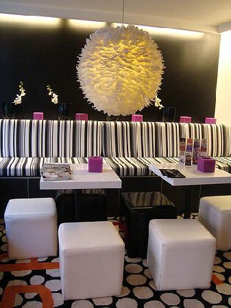 Hotel Standard Design: Hotel lobby