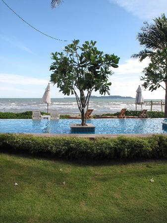 Bari Lamai Resort: View from our room