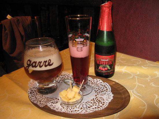 Staminee De Garre: bier de la maison and cherry bier