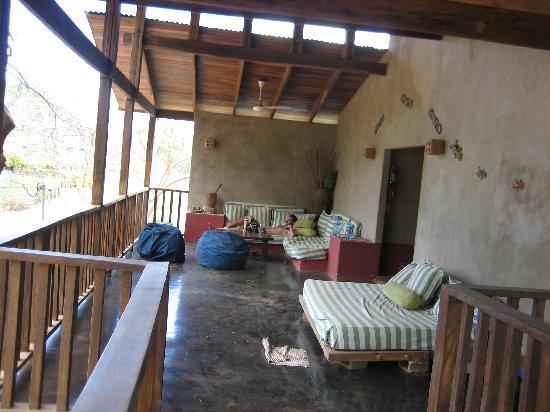 Cafe Playa Negra : common terrace area