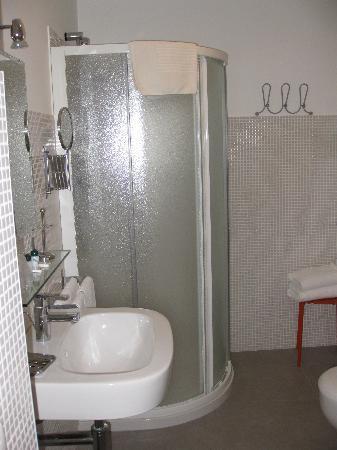 Memole Inn Sanremo: doccia ok