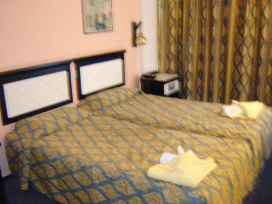 Navarria Hotel: Our Room