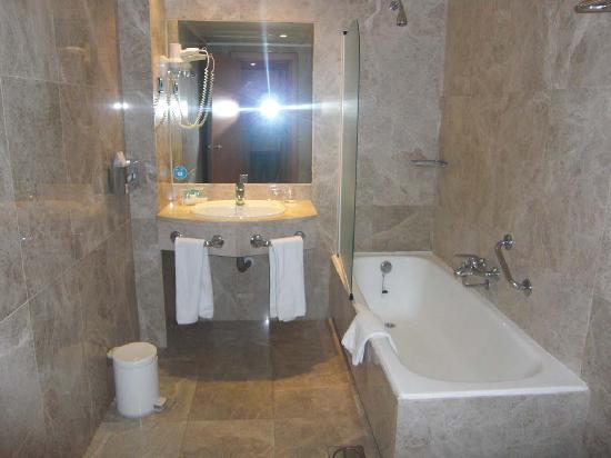 Hotel Praga: El baño