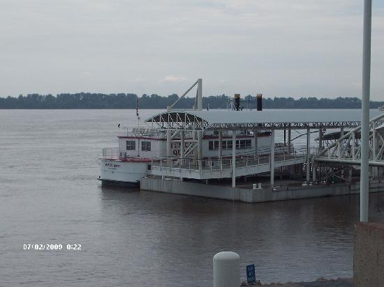 Tunica RiverPark: RiverBoat @ River Park Museum