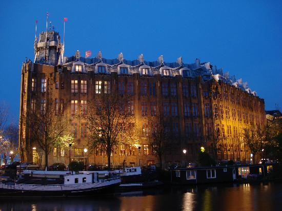 au enaufnahme bei nacht picture of grand hotel amrath amsterdam amsterdam tripadvisor. Black Bedroom Furniture Sets. Home Design Ideas