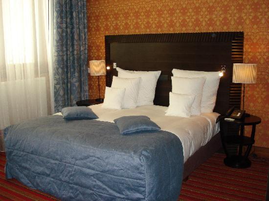 Grand Hotel Amrath Amsterdam: Bett
