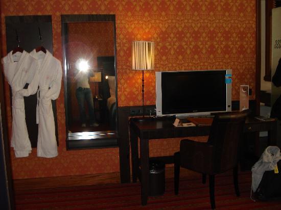 Grand Hotel Amrath Amsterdam: Zimmer