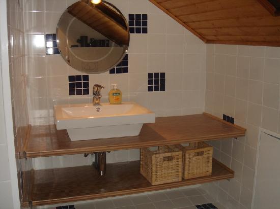 Bed & Breakfast Bursins : Salle de bains