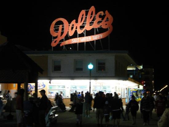 Rehoboth Beach Boardwalk: Dolle's on the boardwalk at night